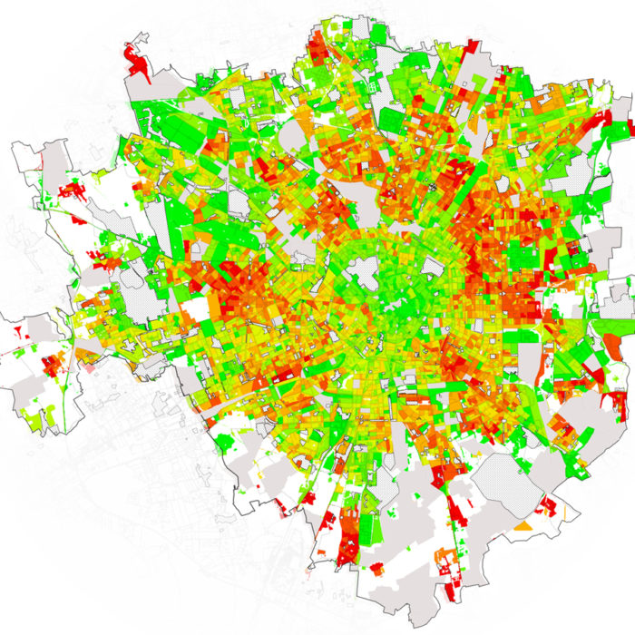 Access to green areas and public realm: the case of Milan